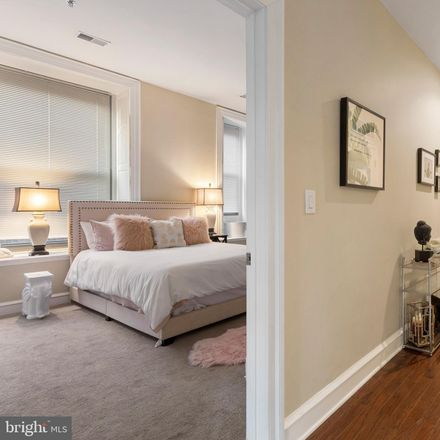Rent this 1 bed apartment on 1811 Chestnut Street in Philadelphia, PA 19103