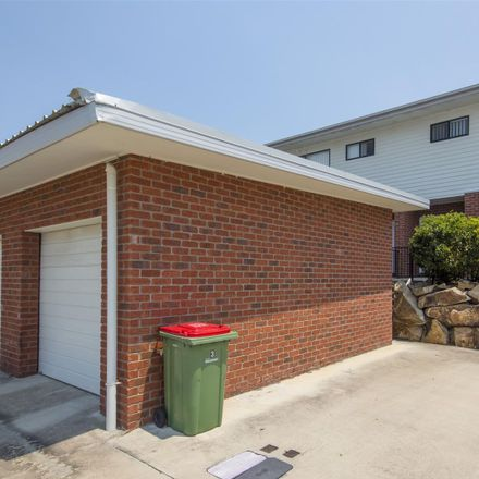 Rent this 3 bed townhouse on 3/33 Pyrite Street