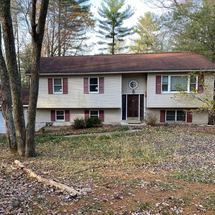 Rent this 3 bed house on Beech Ln in Saylorsburg, PA