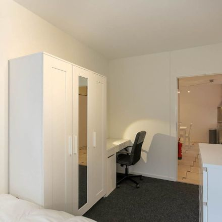 Rent this 5 bed room on Sint-Jacobstraat in 3011 DE Rotterdam, Países Bajos