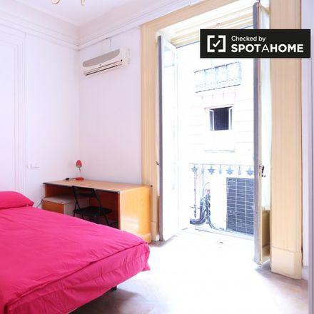 Rent this 19 bed apartment on Ministerio de Asuntos Exteriores y de Cooperación in Plaza de la Provincia, 1
