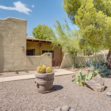 Rent this 2 bed condo on Tucson