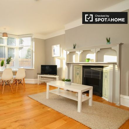 Rent this 1 bed apartment on Dunstan Road in London CR5 1AB, United Kingdom