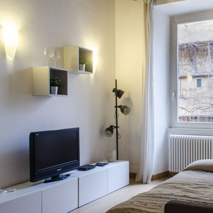 Rent this 2 bed apartment on Pjazza di Spagna in Via delle Carrozze, 00187 Rome RM