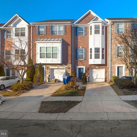 Rent this 3 bed condo on Castle Ridge Cir in Silver Spring, MD