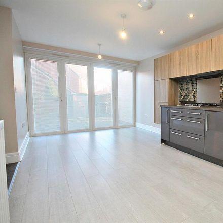 Rent this 3 bed house on 10 Woodridge in Langley Moor DH7 8LU, United Kingdom