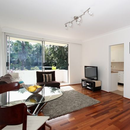 Rent this 2 bed apartment on 21/13 Wheatleigh St