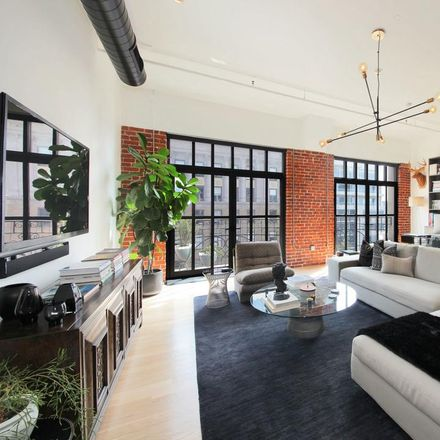 Rent this 1 bed condo on Vine St in Los Angeles, CA