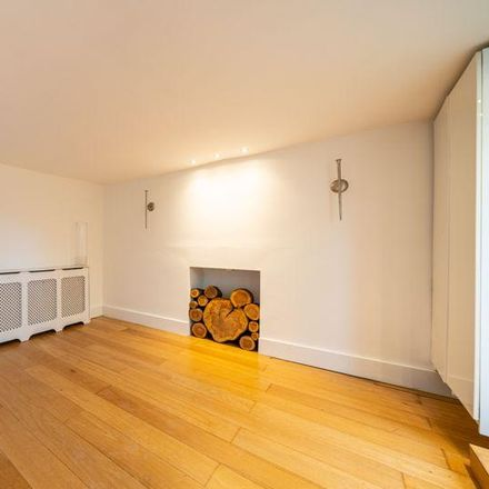 Rent this 4 bed apartment on Doolittle Lane in Church End LU6 1QX, United Kingdom