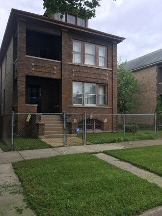 Rent this 6 bed duplex on 8543 South Muskegon Avenue in Chicago, IL 60617