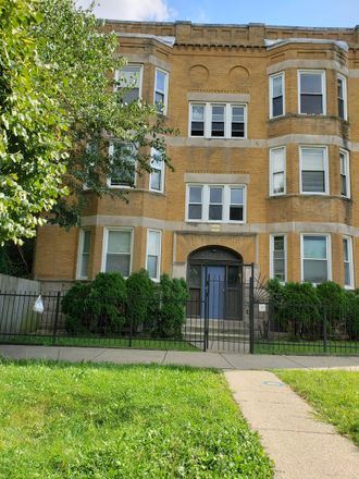 Rent this 3 bed house on W Maypole Ave in Chicago, IL