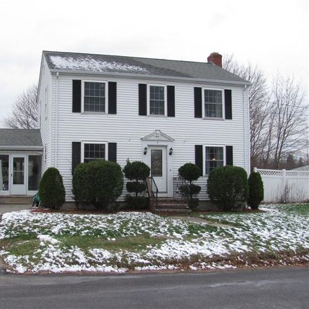 Rent this 3 bed house on 7 Howe Street in North Providence, RI 02911