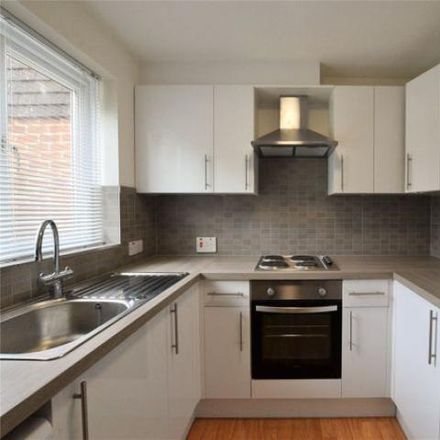 Rent this 3 bed house on Avocet Crescent in Sandhurst GU47 0XN, United Kingdom