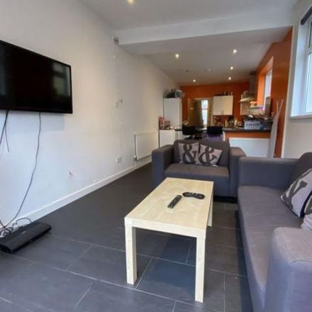 Rent this 5 bed apartment on 2 Clun Terrace in Cardiff, United Kingdom