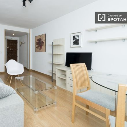 Rent this 1 bed apartment on I.E.S. Francisco Tomás y Valiente in Calle Agustín Calvo, 28001 Madrid