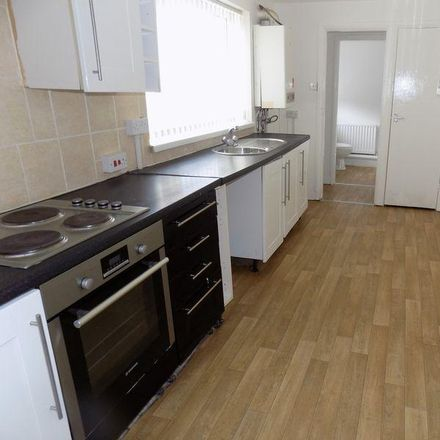 Rent this 3 bed house on Tower Street West in Sunderland SR2 8JY, United Kingdom