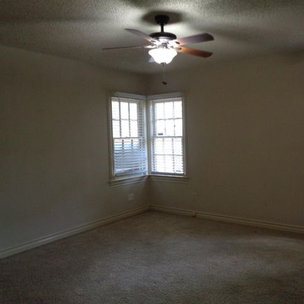 Rent this 3 bed house on 3017 20th Street in Lubbock, TX 79410