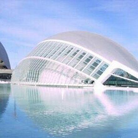 Rent this 2 bed room on Avinguda de l'Institut Obrer de València in 21, 46013 València