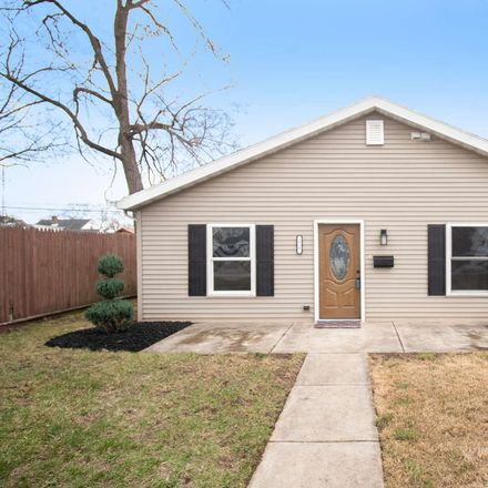 Rent this 3 bed house on 1717 Homewood Avenue in Mishawaka, IN 46544