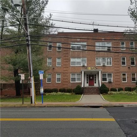 Rent this 2 bed condo on 811 Palmer Road in Yonkers, NY 10708