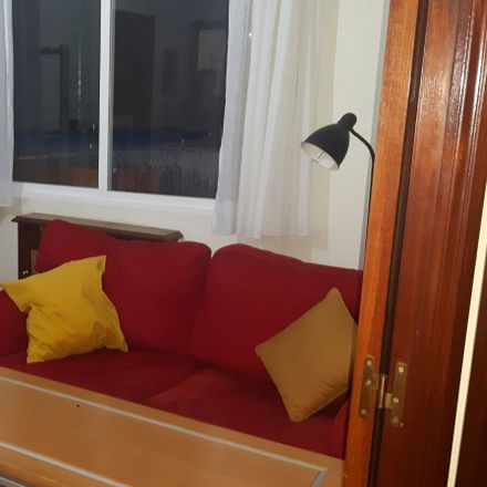 Rent this 1 bed room on calle maria diaz de haro 31