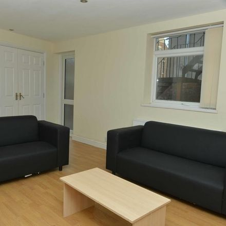 Rent this 3 bed apartment on A Taste Of Persia in 34 Osborne Road, Newcastle upon Tyne NE2 2AJ