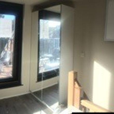 Rent this 11 bed room on Roodebeeklaan 143 in 1030 Schaarbeek, Belgium