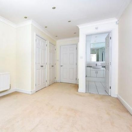 Rent this 2 bed apartment on Lady Margaret Road in Sunningdale SL5 9QH, United Kingdom