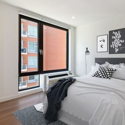 Rent this 1 bed apartment on 27th St in Long Island City, NY