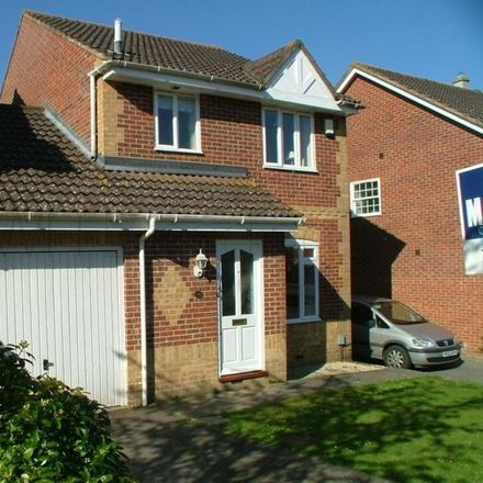 Rent this 3 bed house on Jersey Close in Ashford TN24 9LD, United Kingdom