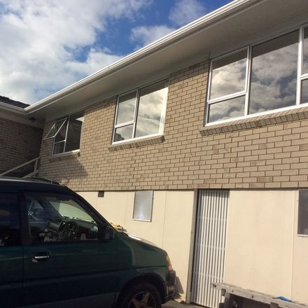 Rent this 1 bed house on Kaipatiki in Glenfield, AUCKLAND