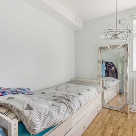Rent this 3 bed apartment on South End in Bromley Road, London BR1 5RU