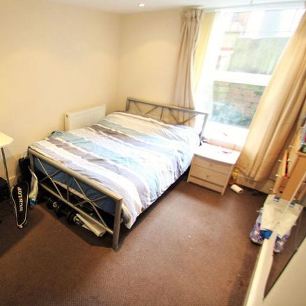 Rent this 1 bed room on Winston Gardens in Leeds LS6 3JY, United Kingdom