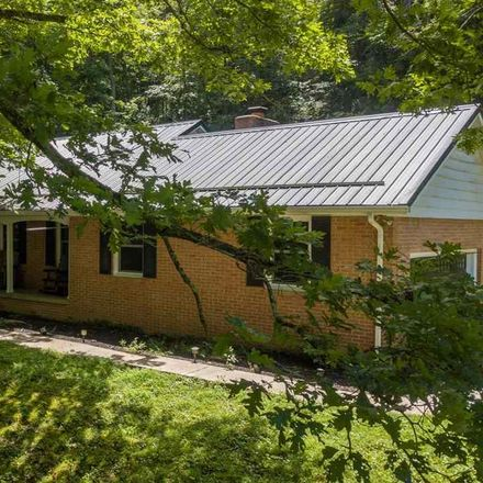 Rent this 3 bed house on 470 Edgewood Drive in Weston, WV 26452