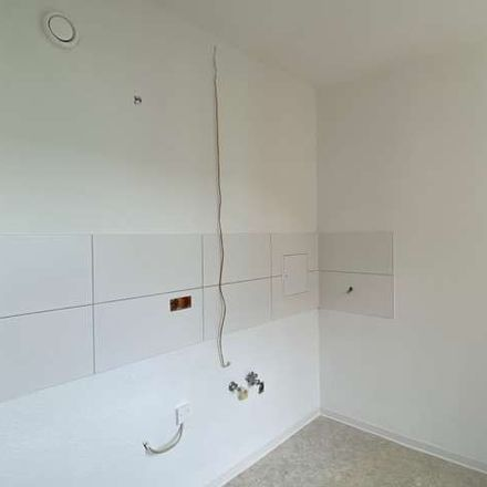 Rent this 3 bed apartment on Olvenstedter Chaussee 165 in 39130 Magdeburg, Germany