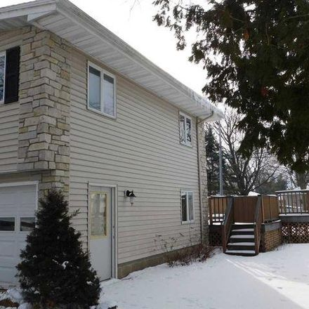 Rent this 3 bed house on 707 Scott Street in Beaver Dam, WI 53916