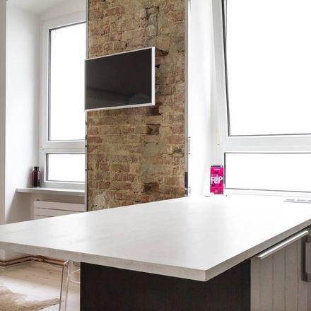Rent this 2 bed apartment on Bezirkszentralbibliothek Philipp Schaeffer in Brunnenstraße 181, 10119 Berlin
