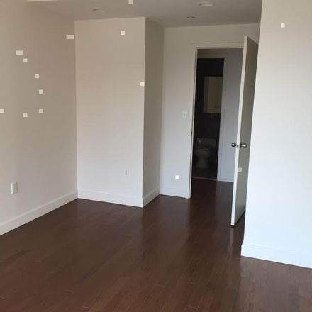 Rent this 1 bed apartment on Crescent St in Long Island City, NY