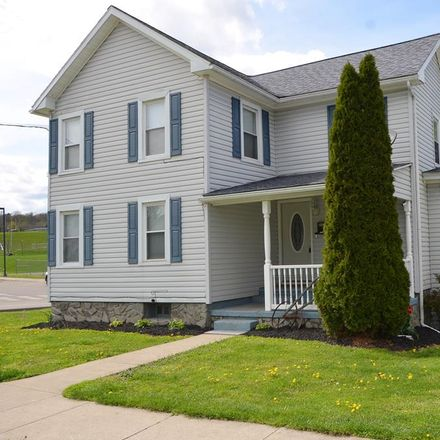 Rent this 3 bed house on 124 Ward Avenue in Towanda, PA 18848
