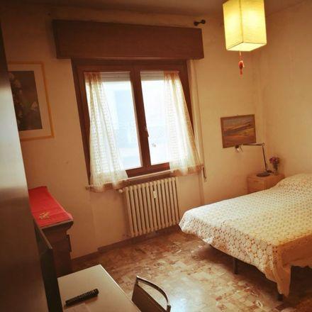 Rent this 2 bed room on Via Bartolomeo Ruspoli in 33, 36100 Vicenza VI