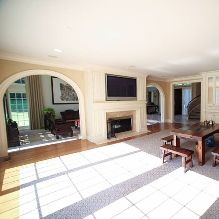 Rent this 7 bed house on 22 Evans Dr in Glen Head, NY
