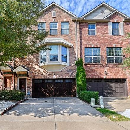 Rent this 3 bed townhouse on 1420 Biltmore Lane in Irving, TX 75063