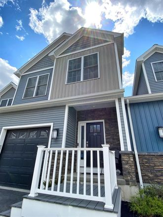 Rent this 3 bed townhouse on 29 Stacey Way in Rensselaer County, NY 12180