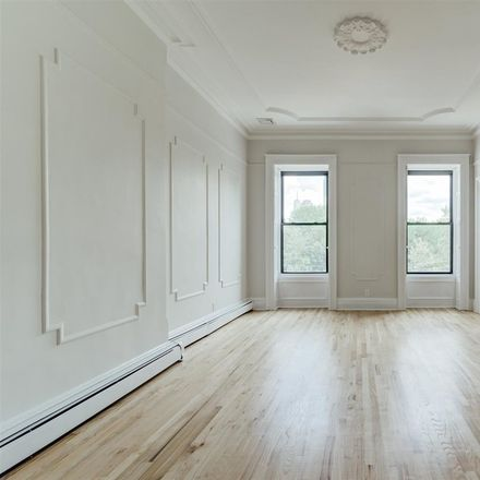 Rent this 2 bed condo on Jersey Ave in Jersey City, NJ
