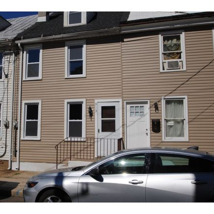 Rent this 3 bed townhouse on 313 York Street in Burlington City, NJ 08016