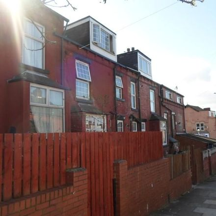 Rent this 2 bed house on Conway View in Leeds LS8 5HY, United Kingdom