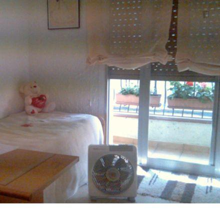 Rent this 2 bed room on Supermercats Legou in passatge d'Albert Llanas, 08914 Badalona