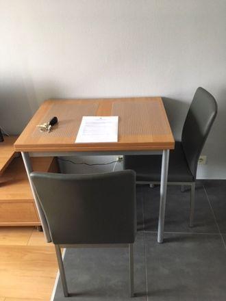 Rent this 1 bed apartment on Basisschool Floralia in Rue Théodore De Cuyper - Théodore De Cuyperstraat 144, 1200 Woluwe-Saint-Lambert - Sint-Lambrechts-Woluwe