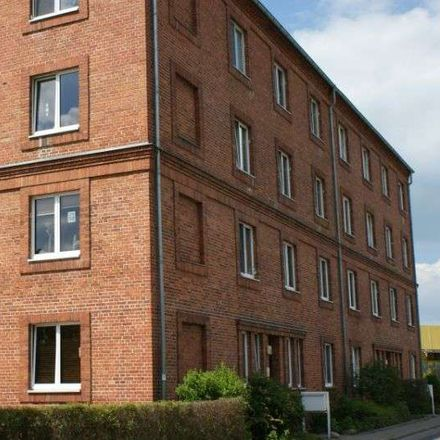 Rent this 3 bed apartment on Burgholzstraße 7E in 17034 Neubrandenburg, Germany