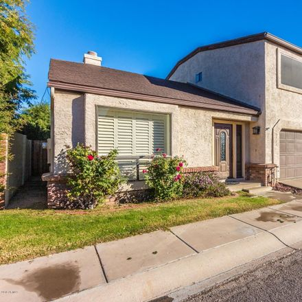 Rent this 3 bed townhouse on 2524 East Paradise Drive in Phoenix, AZ 85028